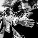 Los abrazos del novio. © Booda Fotografía