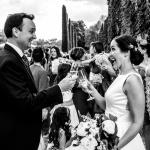 Siempre hay alegría en una boda. © Booda Fotografía