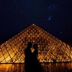 Los novios en el Louvre
