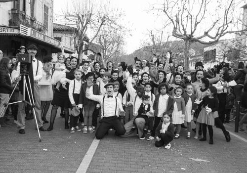Carnaval  Esporles 2017 En Blanc i negre cap als 40