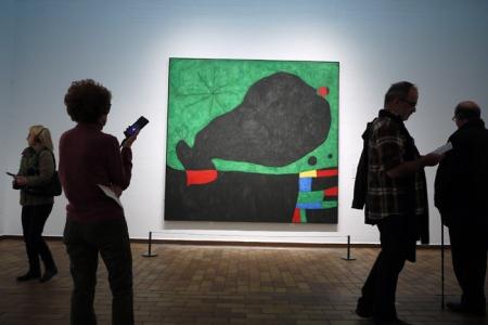 Mirando a Miró.