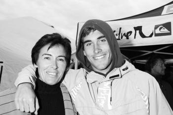 Aritz Aranburu y su madre. Seignosse. Francia