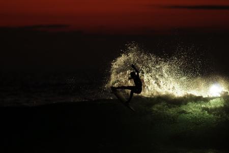 Surfer desconocido. Seignosse. Francia