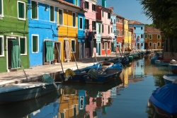 "report Burano (Italy) - Title: ""Symphony of color"""