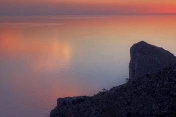 Reflejos al alba, Morro de sa Vaca. Costa norte, Mallorca