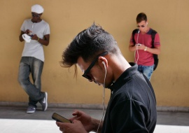 internet in cuba , pictures of new times