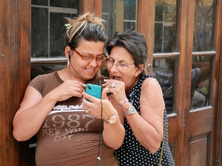 cubans in wi-fi areas, a short photo story by louis aarcon