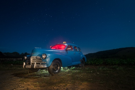 night photography with old cuban cars, photo by louis alarcon