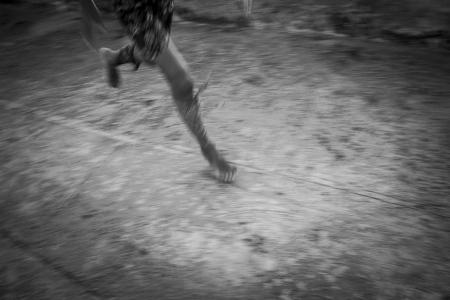 Running in Cuba, photos of children playing in Havana