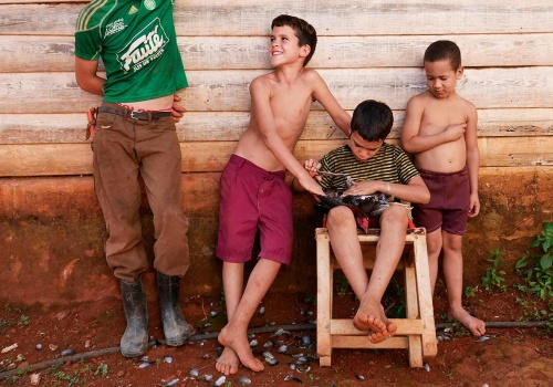 "Cuban ""war heroes"" : living in the countryside"
