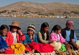 Childrens of Uros Islands