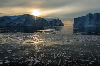 La lengua del Creador -Icebergs desprendidos del glaciar Sermeq Kujalleq, Bahía de Disko, Greenland. Edición: 10/10 + 2P/A