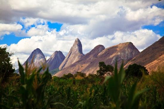 Nacimiento de la cordillera del Monte Namuli- malema