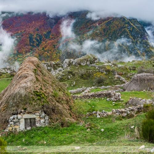 Somiedo - Tierra de teitos y bosques