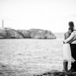 Novios frente al mar. © Booda Fotografía