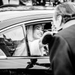 La novia se despide del padrino. © Booda Fotografía