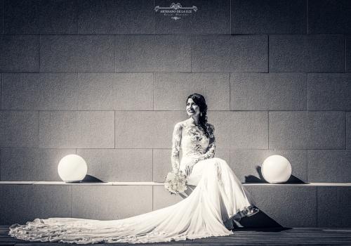Artesano de la Luz - Fotografia de boda - novia sentada
