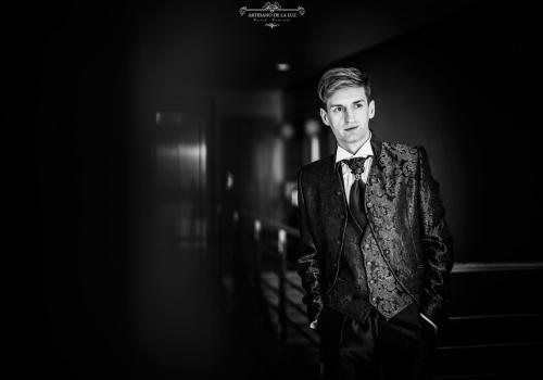 Artesano de la Luz - Fotografia de boda - novio posando