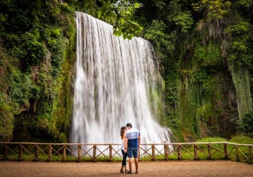 Artesano de la Luz - Sesión de preboda en la gran cascada del Monasterio de Piedra