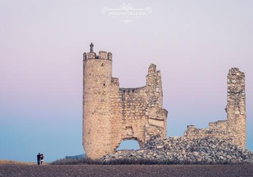 Artesano de la Luz - Sesión de preboda en el castillo de Caudilla en Toledo