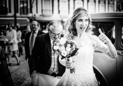 Artesano de la Luz - La novia antes de entrar a la iglesia de Valdepeñas