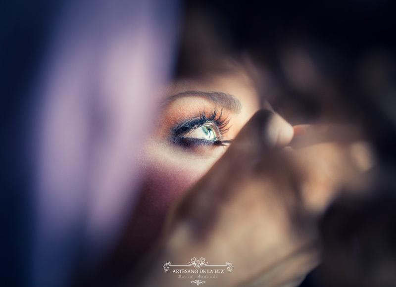 Artesano de la Luz - Fotografia de boda - detalle del maquillaje del ojo