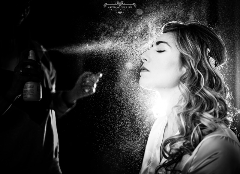 Artesano de la Luz - Fotografia de boda - el maquillaje y la laca