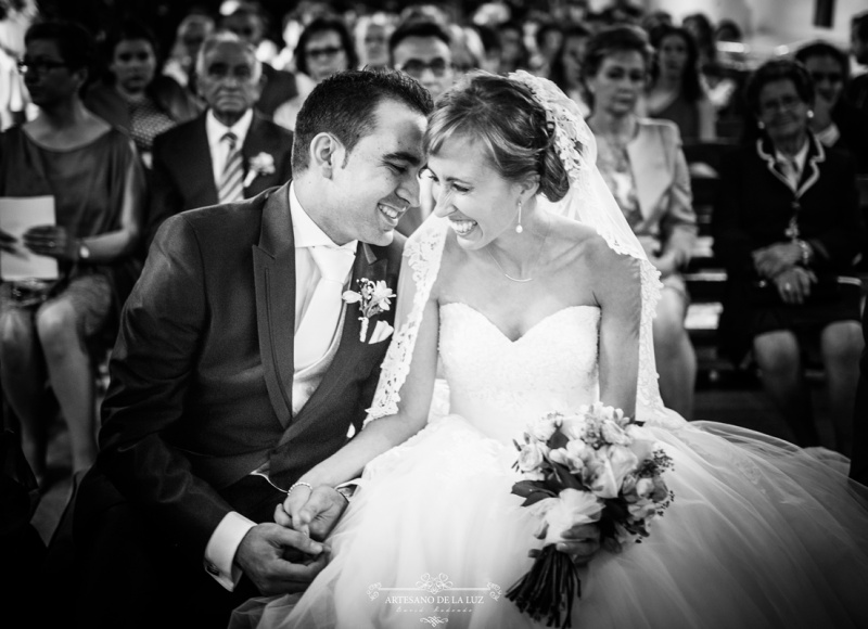 Artesano de la Luz - Gestos de cariño en una boda en El Berrueco