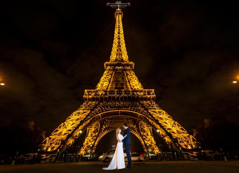 Artesano de la Luz - Postboda en Paris con la torre Eiffel iluminada