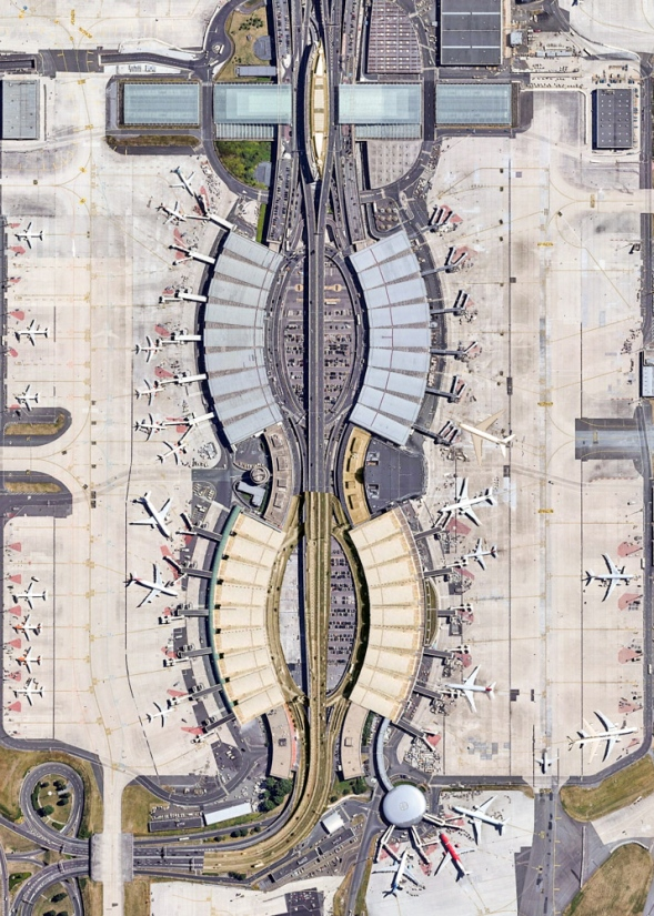Charles de Gaulle Airport - París