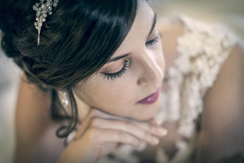 detalle del maquillaje de la novia