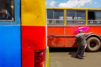 Entre autobuses. Etiopía 2014.