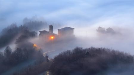 Amanecer sobre la Torre de Galarza, Aretxabaleta, Gipuzkoa, Iñaki Bolumburu
