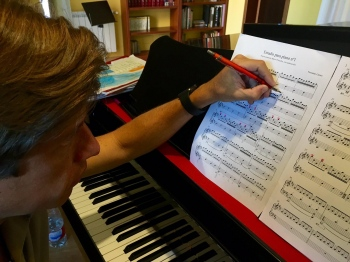 El gran pianista español Mario Prisuelos en el ensayo de mi Estudio nº1