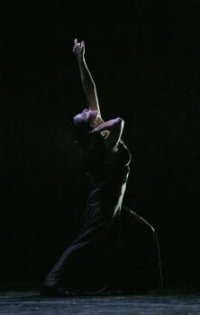 Rosario Castro (National Culture Award VIva 2008) in a scene from Brishen ballet. Photo: Jesús Robisco