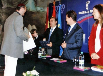 Picking up a music award by the Regional Government of Castilla - La Mancha, in 2004