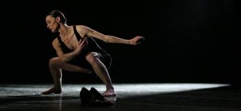 The great dancer Emmanuelle Broncini in a scene from Brishen ballet. Photo: Jesús Robisco