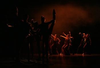 Corps de Ballet of Suite Española company performing Andante Intermezzo, F. Lázaro. Theater of Madrid, 2008. Photo: Jesus Robisco.