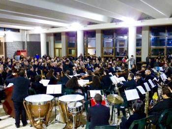 """La Orquesta Filarmónica OSN de Mascalucía interpretando mi obra """"Escena de las Mujeres"""" (del ballet Das Brennende Dorf). Concierto de Año Nuevo, Catania (Italia). Enero, 2016."""