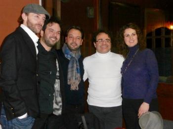 Con la soprano Alexandra Oikonomou, el pianista Daniele Petralia, el director Vincenzo Di Mauro y el viola Manilo Di Mauro. Todos reconocidos músicos italianos (después del concierto).