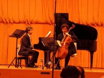 "Daniel Del Pino e Iván Siso interpretando mi obra ""Allegro en Re para piano y chelo"". Festival Internacional de Música Contemporánea de Tres Cantos 2016."