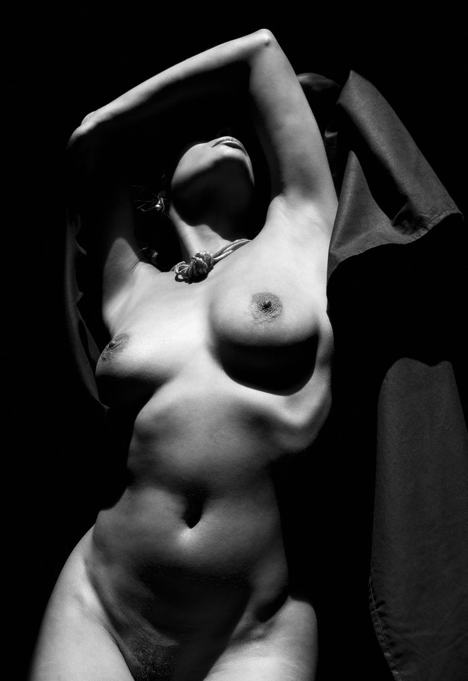 St Merrique - Acceso gratuito - Desnudo, semidesnudo y boudoir. Fotografía por Javier Cuevas