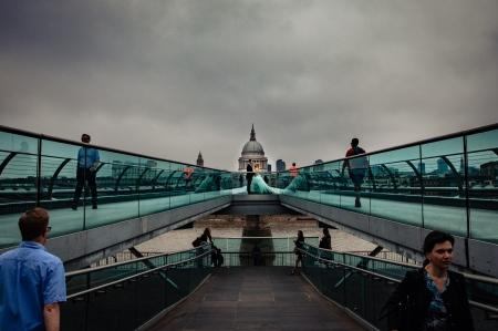 Milleniun Bridge Trash The Dress