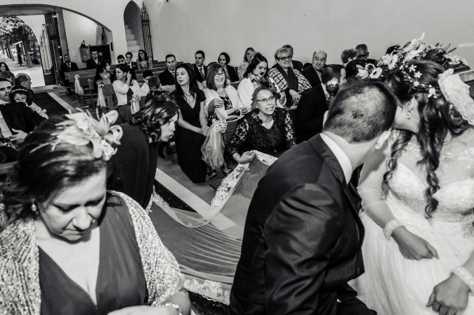 Colocando la cola de la novia