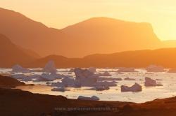 Atardecer en Tasiusaq, Groenlandia