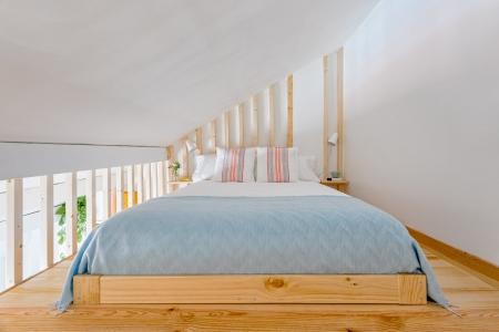 fotografía de interiores, decoración, abracadabra decor, cama, buhardilla, airbnb