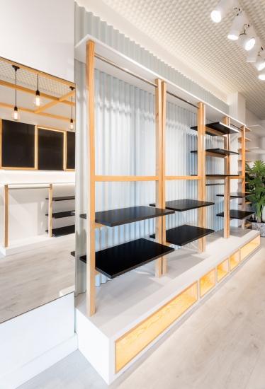 fotografia de interiores, tienda de moda, expositor
