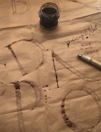 Clases de Caligrafía en la Escuela Deletras