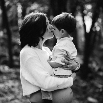 Fotografía embarazo exteriores en Barcelona-Mireia Navarro Fotografía
