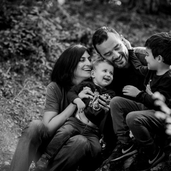 Fotografía infantil y familiar en exteriores en Barcelona-Mireia Navarro Fotografía
